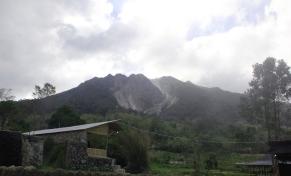 gunung sibayak, taken from lau sidebuk debuk
